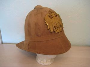 b146a61f21d86 1900 East Asian Bortfeldt Helmet Made of pith with rubber peaks (folding at  the rear), note the higher shape and less rounded appearance.